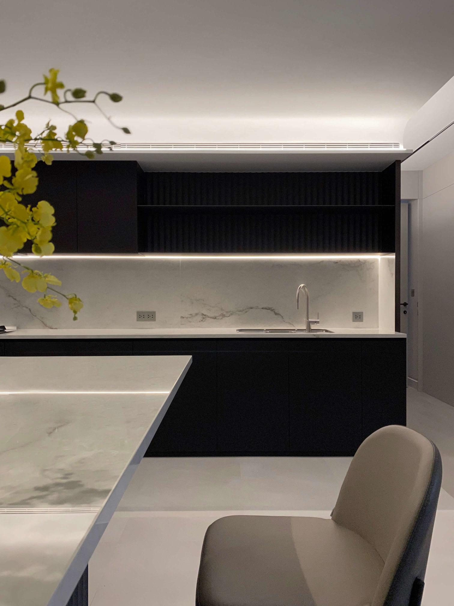 台中分子設計-現代風設計師-台中七期室內設計-電梯大樓整體規劃-輕食區廚房、薄磚檯面訂製中島