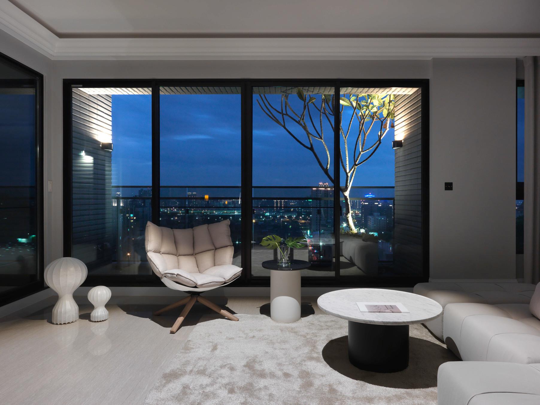 分子室內裝修設計-住宅空間設計作品 Shades of Grey 客廳夜景