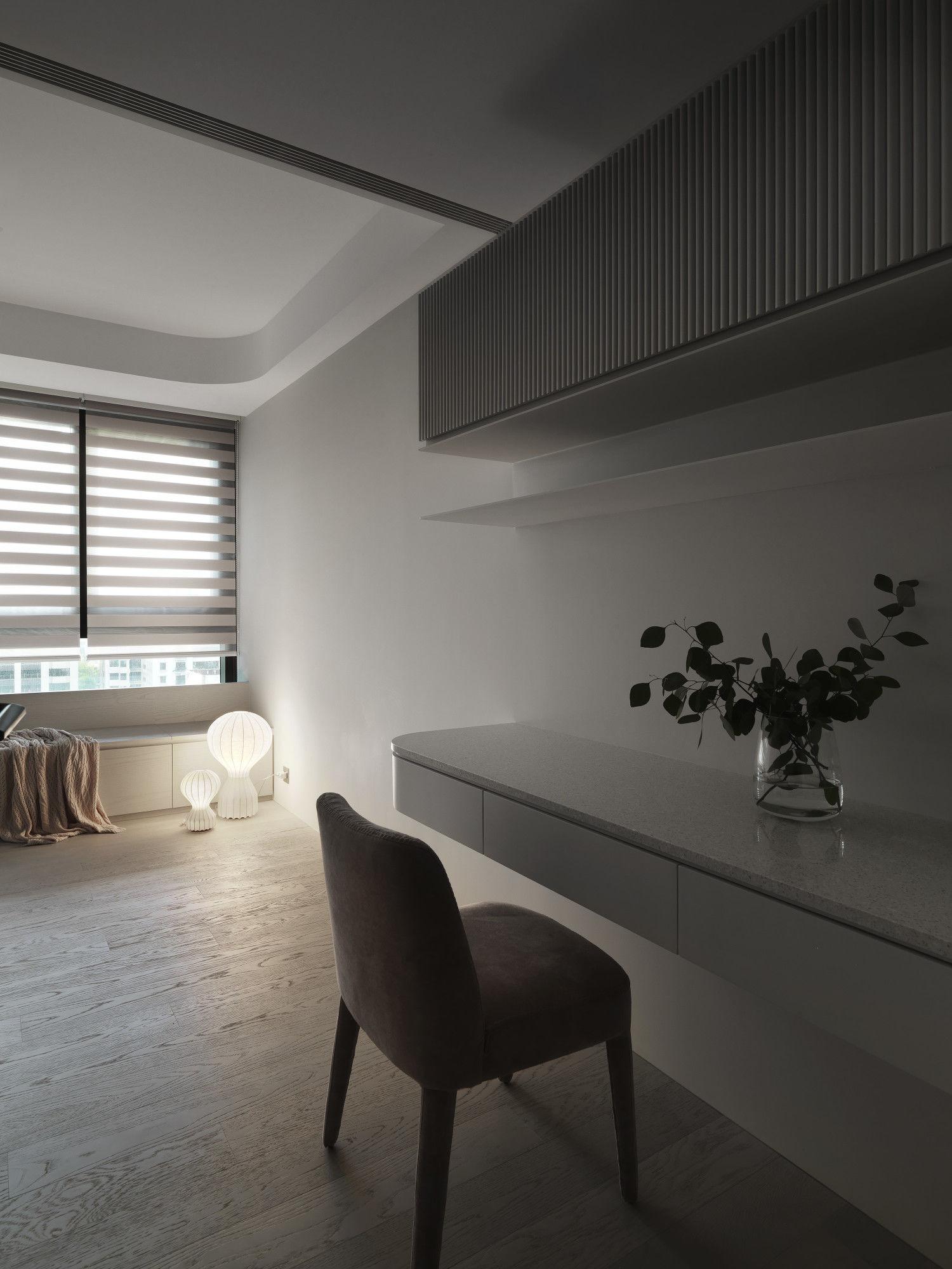 台中分子設計-現代風設計師-台中七期室內設計-電梯大樓整體規劃-臥室臥榻收納、訂製書桌