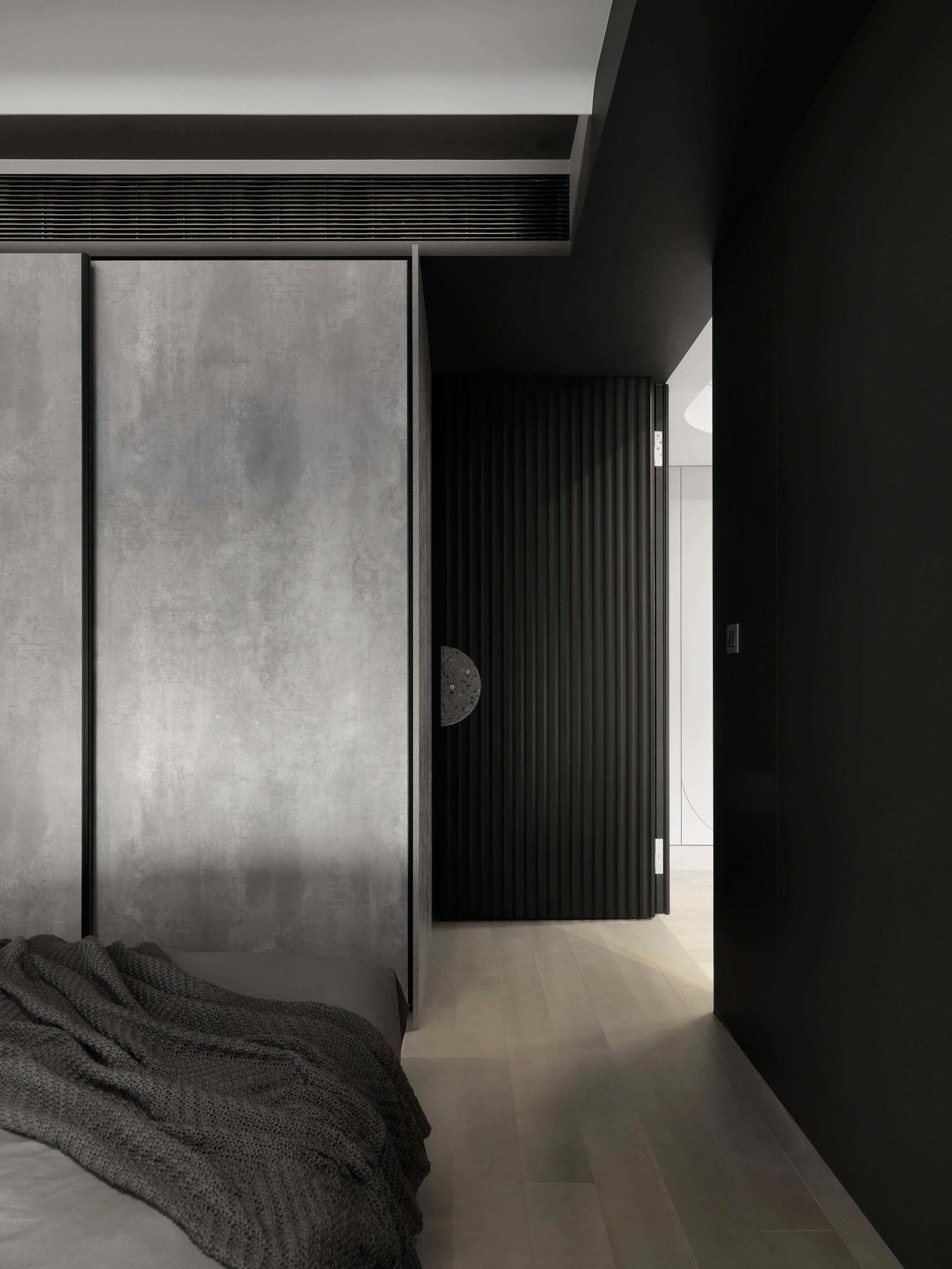 台中分子設計-現代風設計師-台中七期室內設計-電梯大樓整體規劃-臥室設計、隱藏門、滑門衣櫃收納