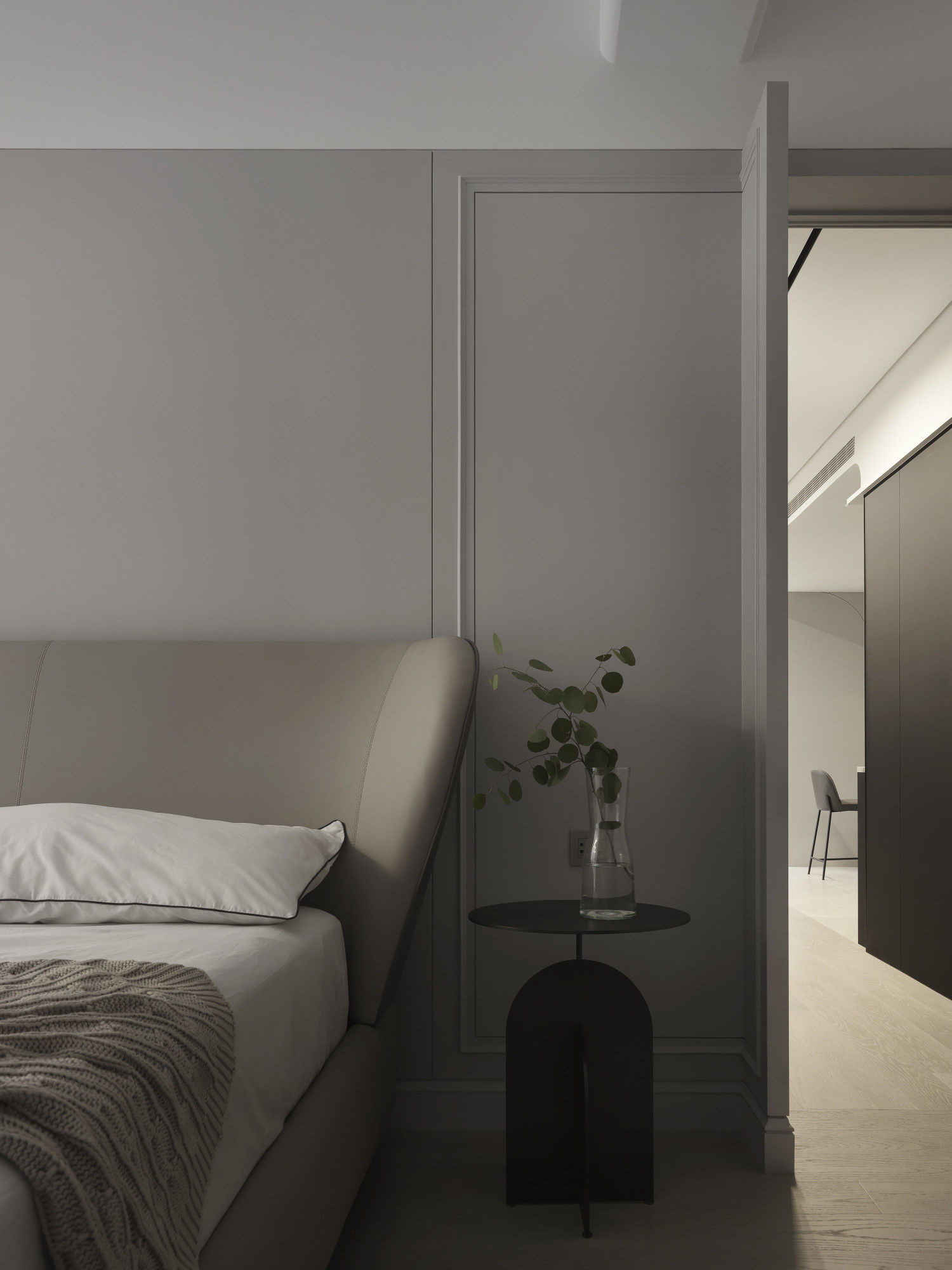 台中分子設計-現代風、輕美式設計師-台中七期室內設計-電梯大樓整體規劃-臥室線板設計