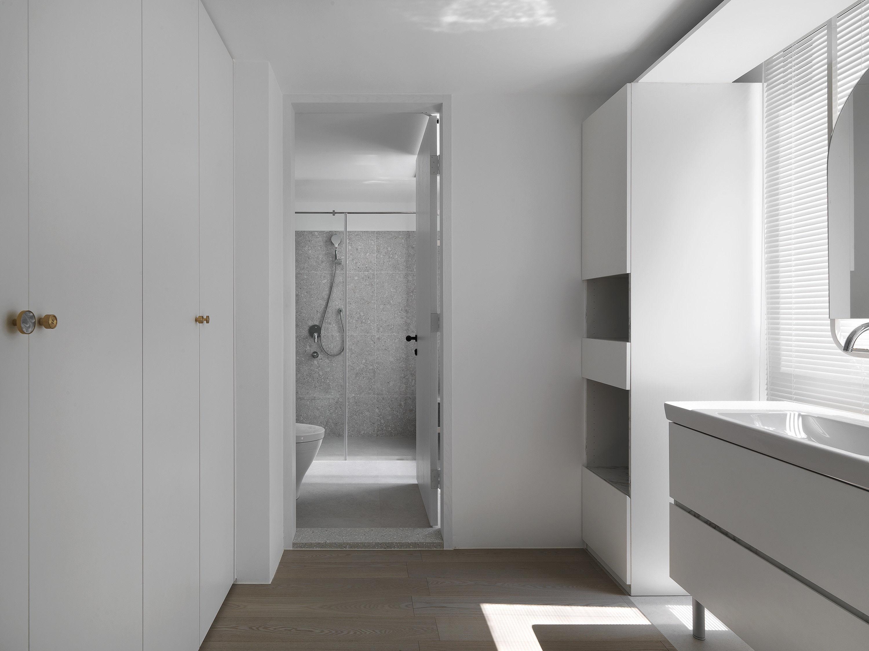 台中 分子室內裝修設計 - 單層電梯大樓 - 現代風住宅設計 - 全室舊屋翻新 - 衛浴空間