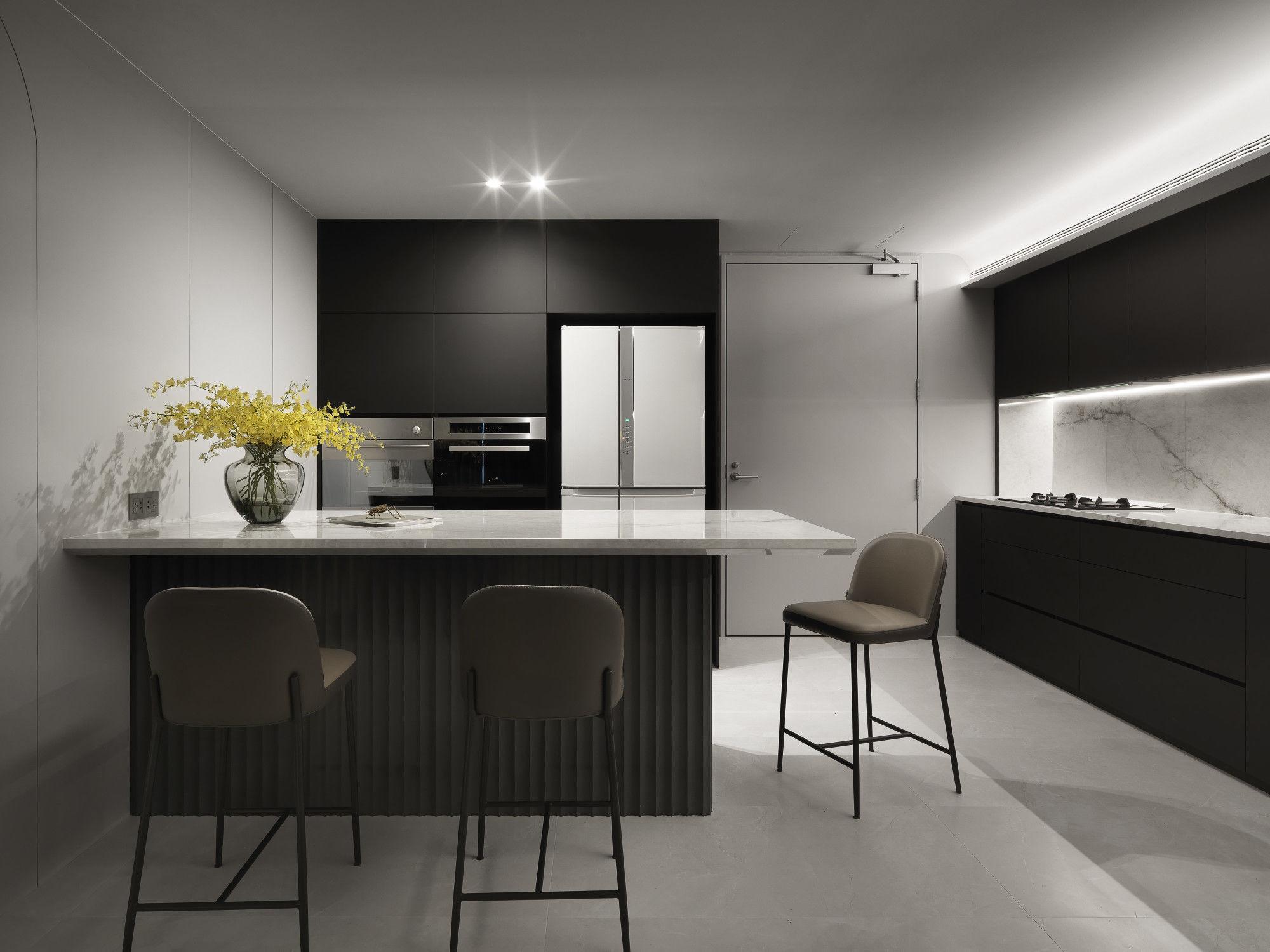 台中分子設計-現代風設計師-台中七期室內設計-電梯大樓整體規劃-一字型廚具、中島設計、輕食區