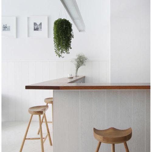 台中長型透天,訂製簡單的北歐文藝咖啡廳